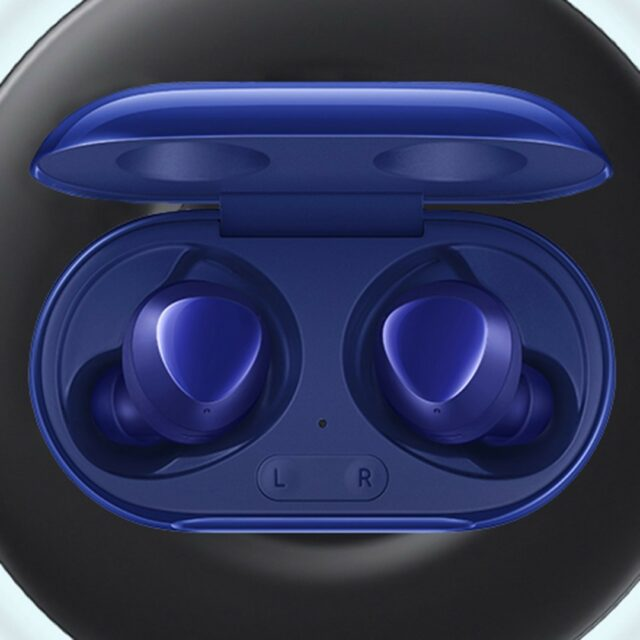 ❤️ Last chance to enter to win Samsung Galaxy Buds+. 1️⃣ Register your Mobile Outfitters product on moutfitters.com 2️⃣ Write a review of Mobile Outfitters on reviews.io 3️⃣ Follow us @mobileoutfitters on Instagram #mobileoutfitters #mogiveaway . The giveaway is sponsored by Mobile Outfitters LLC. It is not sponsored, endorsed, or administered by, or associated with Instagram or any other company. Participants must be 18 years or older to enter. The contest period is Dec 1, 2020 - Dec 29, 2020. The giveaway will close on Dec 29, 2020 at 11:59 pm EST. The winner will be notified by email and/or Instagram DM. .  🔗 in bio for the giveaway scoop