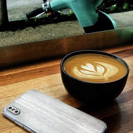 Happy Monday, bring on all the coffee ☕️ #iphoneX #mostyleskins #coffee #monday #caffeine