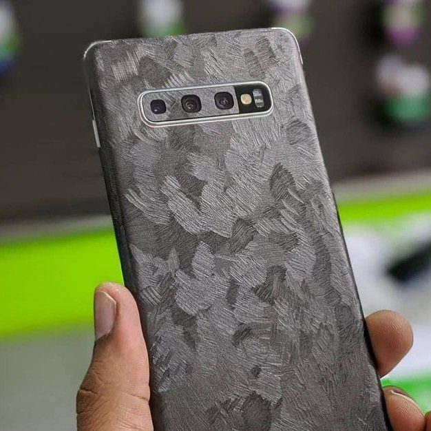 Forged Carbon Fiber for the WIN! @mobileoutfitterstt  #mostyleskins #personalization #carbonfiber